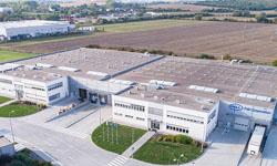 136 svetlovodov inštalovaných v skladových a výrobných priestoroch pre spoločnosť Pall Vráble